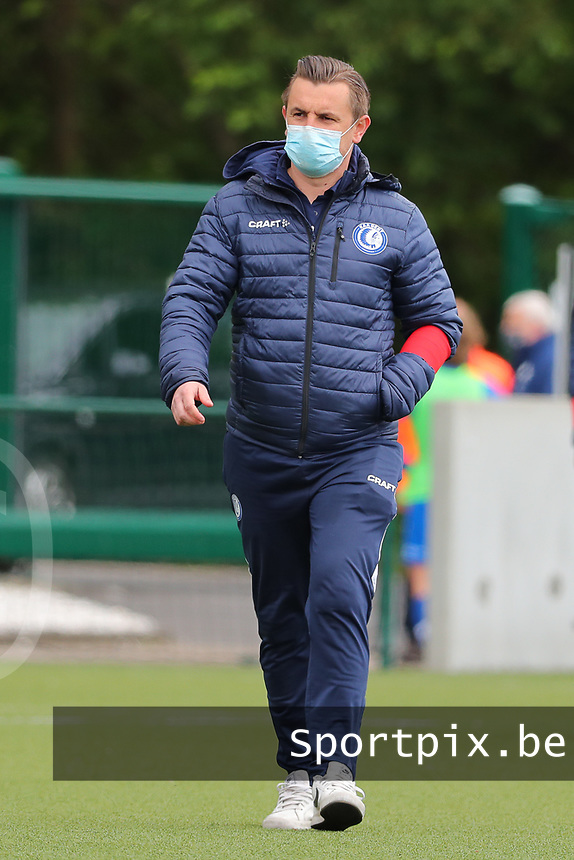 Head Coach Dave Mattheus  of AA Gent entering the pitch before a female soccer game between Oud Heverlee Leuven and AA Gent Ladies on the 9 th matchday of play off 1 in the 2020 - 2021 season of Belgian Womens Super League , saturday 22 nd of May 2021  in Heverlee , Belgium . PHOTO SPORTPIX.BE | SPP | SEVIL OKTEM