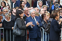 VERONIQUE BACHET(SON EPOUSE), JEAN LOU DABADIE - ASSISTE A LA CEREMONIE RELIGIEUSE EN HOMMAGE A JEAN ROCHEFORT A L'EGLISE SAINT-THOMAS D'AQUIN DANS LE 7EME ARRONDISSEMENT DE PARIS, FRANCE, LE 13/10/2017.