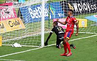 MANIZALES-COLOMBIA, 25–02-2021: Hernan Pertuz de Deportivo Pasto, corre a celebrar despues de anotar gol de su equipo, durante partido de la fecha 9 entre Once Caldas y Deportivo Pasto, por la Liga BetPlay DIMAYOR I 2021, jugado en el estadio Palogrande de la ciudad de Manizales. / Hernan Pertuz of Deportivo Pasto, runs to celebrate after scoring goal of his team, during match of 9th date between Once Caldas and Deportivo Pasto, for the BetPlay DIMAYOR I 2021 League played at the Palogrande Stadium in Manizales city. / Photo: VizzorImage / Daniel Ocampo / Cont.