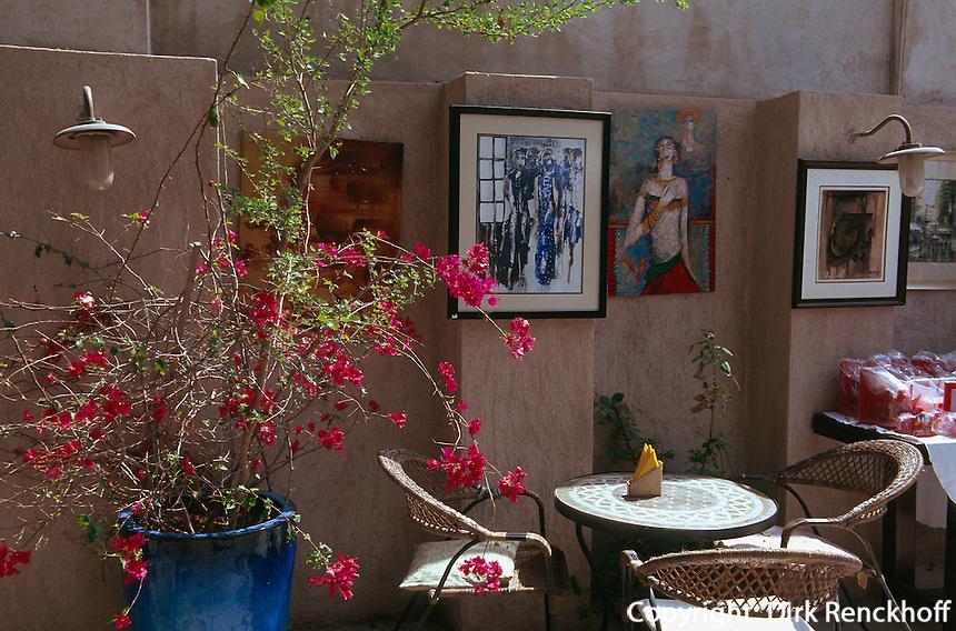 Vereinigte arabische Emirate (VAE, UAE), Dubai, Basta Art Cafe in Bastakia