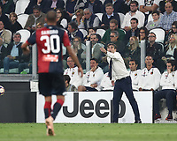 Calcio, Serie A: Juventus - Genoa, Turin, Allianz Stadium, October 20, 2018.<br /> Genoa's coach Ivan Juric speaks with his players during the Italian Serie A football match between Juventus and Genoa at Torino's Allianz stadium, October 20, 2018.<br /> UPDATE IMAGES PRESS/Isabella Bonotto