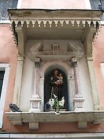 Canalside shrine to St. Anthony - Venice