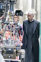 TOURNAGE DU FILM CHRIST OFF DANS LES RUES DE CLERMONT DE L'OISE . VICTORIA BEDOS , LUCIEN JEAN BAPTISTE