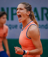 Paris, France, 28 May, 2018, Tennis, French Open, Roland Garros, Andrea Petkovic (GER) celebrates her win over Mladenovic (FRA)<br /> Photo: Henk Koster/tennisimages.com