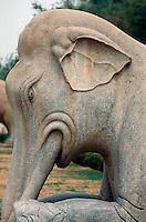 China, Peking (Beijing) Minggräber, Geisterallee, Elefant, Unesco-Weltkulturerbe