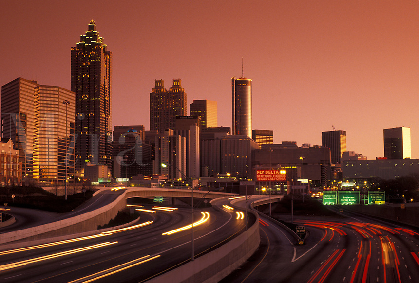 AJ3922, skyline, downtown, Atlanta, Georgia, Skyline of downtown Atlanta at sunset from downtown Connector Interstate I-85/I-75 in the state of Georgia.