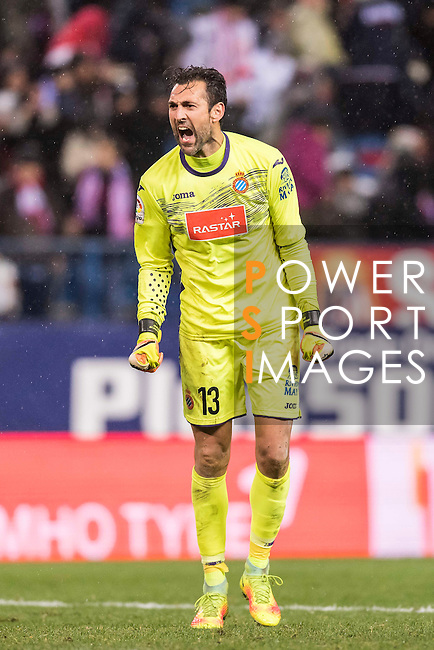 Goalkeeper Diego Lopez of RCD Espanyol reacts during the La Liga match between Atletico de Madrid and RCD Espanyol at the Vicente Calderón Stadium on 03 November 2016 in Madrid, Spain. Photo by Diego Gonzalez Souto / Power Sport Images