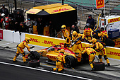 #28: Ryan Hunter-Reay, Andretti Autosport Honda, pit stop