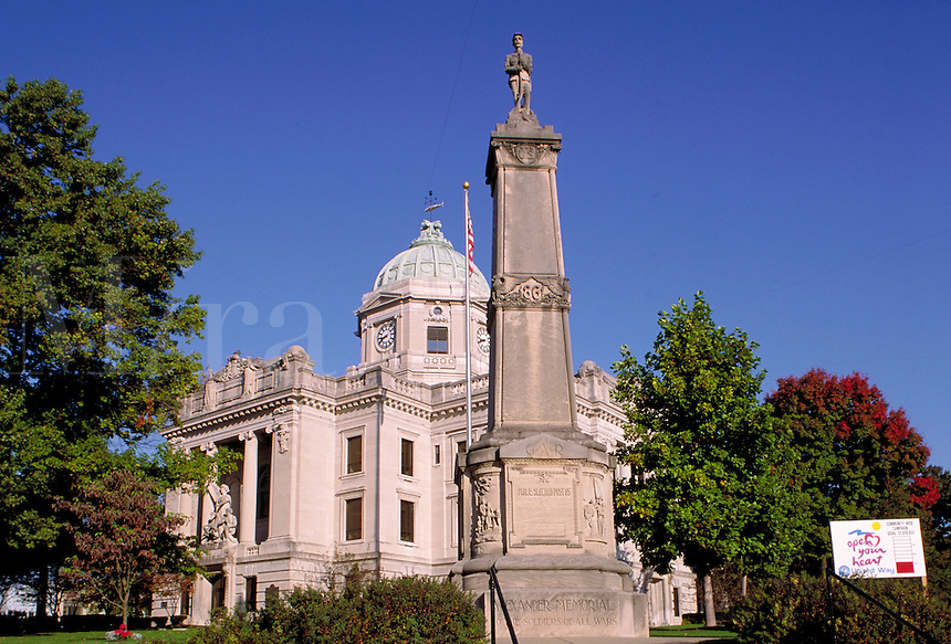Monroe County Courthouse, completed in 1908, and the Alexander Memorial to Soldiers of All Wars in Bloomington, Indiana. Bloomington Indiana.