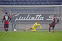 Haris Seferovic (Eintracht) erzielt das 1:2 per Elfmeter  - Eintracht Frankfurt vs. Servette Genf, Commerzbank Arena