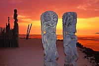 Big Island city of refuge, Pu uhonua O Honaunau hale o keawe heiau at sunset