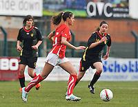 UEFA Women's Under 17 Championship - Second Qualifying round - group 1 : Switzerland - Belgium  : .Alessa Castignetti aan de bal voor Shayna Raekelboom.foto DAVID CATRY / Vrouwenteam.be