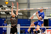 06-03-2021: Volleybal: Amysoft Lycurgus v Active Living Orion: Groningen smash Lycurgus speler Dennis Borst