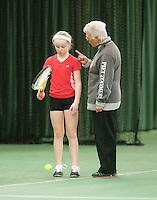 15-3-09, Rotterdam, Nationale Overdekte Jeugdkampioenschappen 12 en 18 jaar,  Janine Hemmes krijgt een waarschuwing van scheidrechter Mia Jansen