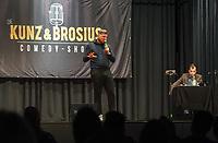 Gross-Gerau 19.09.2020: Comedy Abend in der Stadthalle<br /> Luca Brosius (r.) und Peter Kunz treten in einem gemeinsamen Comedy-Programm auf<br /> Foto: Vollformat/Marc Schüler, Schäfergasse 5, 65428 R'heim, Fon 0151/11654988, Bankverbindung KSKGG BLZ. 50852553 , KTO. 16003352. Alle Honorare zzgl. 7% MwSt.