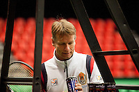 06-02-12, Netherlands,Tennis, Den Bosch, Daviscup Netherlands-Finland, Training, Captain Jan Siemerink