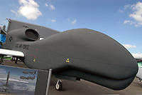 "- unmanned Aerial Vehicles (UAV), ""drone""  Grumman RQ - 4B ""Global Hawk"" ....- velivoli senza pilota (UAV), ""drone""  Grumman RQ - 4B ""Global Hawk"""