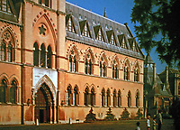 Oxford University Museum of Natural History, a museum displaying many of the University of Oxford's natural history specimens, located on Parks Road in Oxford, England. Architects: Benjamin Woodward, Thomas Newenham Deane, 1860. Gothic Revival style.
