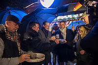 Offizielle Eroeffnung des Berliner Weihnachtsmarkt am Breitscheidplatz am Abend des 27. November 2017 durch den Regierenden Buergermeister Michael Mueller.<br /> Nach dem LKW-Anschlag am 19. Dezember 2016 findet der Weihnachtsmarkt unter verschaerften Sicherheitsvorkehrungen statt. So wurden Beton-Barrieren um den Weihnachtsmarkt aufgestellt und mehr Polizeistreifen sind zum Schutz der Besucher unterwegs.<br /> Im Bild: 2.vr: Buergermeister Michael Mueller; 1.vr: Michael Roden, Vorsitzender des Schaustellerverbands Berlin e.V..<br /> 27.11.2017, Berlin<br /> Copyright: Christian-Ditsch.de<br /> [Inhaltsveraendernde Manipulation des Fotos nur nach ausdruecklicher Genehmigung des Fotografen. Vereinbarungen ueber Abtretung von Persoenlichkeitsrechten/Model Release der abgebildeten Person/Personen liegen nicht vor. NO MODEL RELEASE! Nur fuer Redaktionelle Zwecke. Don't publish without copyright Christian-Ditsch.de, Veroeffentlichung nur mit Fotografennennung, sowie gegen Honorar, MwSt. und Beleg. Konto: I N G - D i B a, IBAN DE58500105175400192269, BIC INGDDEFFXXX, Kontakt: post@christian-ditsch.de<br /> Bei der Bearbeitung der Dateiinformationen darf die Urheberkennzeichnung in den EXIF- und  IPTC-Daten nicht entfernt werden, diese sind in digitalen Medien nach §95c UrhG rechtlich geschuetzt. Der Urhebervermerk wird gemaess §13 UrhG verlangt.]
