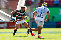 5th June 2021; Mattioli Woods Welford Road Stadium, Leicester, Midlands, England; Gallagher Premiership Rugby, Leicester Tigers versus Bristol Bears; Johnny McPhillips of Leicester Tigers looks to move the ball wide