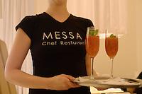 "Asie/Israel/Tel-Aviv-Jaffa: Service au Restaurant ""Messa"" Rehov Ha'arba'a 19 Millénium Towers"