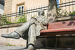 Germany, Thuringia, Ilmenau: Goethe statue in front of Goethe-City-Museum | Deutschland, Thueringen, Goethe- und Universitaetsstadt Ilmenau: Goethestatue vor dem Goethe-Stadt-Museum
