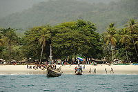 SIERRA LEONE, boat trip along the coast of atlantic ocean from river No. 2 to Tombo, fishing village