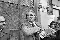 - Marco Pannella, secretary of Radical Party in 1975....- Marco Pannella, segretario del Partito Radicale a Milano nel 1975