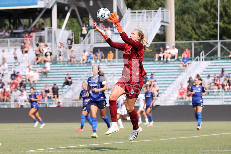 CARY, NC - SEPTEMBER 12: Casey Murphy #1 of the North Carolina Courage catches the ball during a game between Portland Thorns FC and North Carolina Courage at Sahlen's Stadium at WakeMed Soccer Park on September 12, 2021 in Cary, North Carolina.