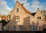 Beguinage House opposite Poortgebouw aan Sasbrug Gatehouse to Sasbrug, Begijnhof at Begijnvest, Minnewater, Bruges, Brugge, Belgium