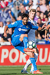Markel Bergara Larranaga of Getafe CF (L) fights for the ball with Toni Kroos of Real Madrid (C)  during the La Liga 2017-18 match between Getafe CF and Real Madrid at Coliseum Alfonso Perez on 14 October 2017 in Getafe, Spain. Photo by Diego Gonzalez / Power Sport Images