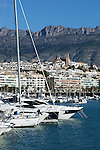 pain, Costa Blanca, Altea: View over marina and town | Spanien, Costa Blanca, Altea: Yachthafen