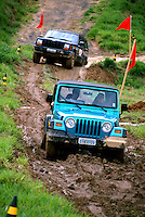 Teste drive de Jeep importado. São Paulo. 1990. Foto de Juca Martins.