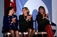 the wifes of Jean Chretien, Robert Bourassa and of Brian Mulroney during the 1992 referendum - exact date unknown