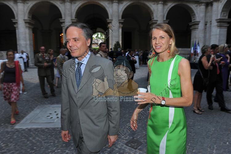 ENZO MOAVERO MILANESI CON LA MOGLIE VITTORIA ALFIERI<br /> FESTA DEL 14 LUGLIO- AMBASCIATA FRANCESE PALAZZO FARNESE ROMA 2012