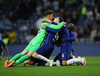 Porto, Portugal, 29th May 2021. Kepa Arrizabalaga of Chelsea celebrates with Jorginho of Chelsea and Ngolo Kante of Chelsea during the UEFA Champions League match at the Estadio do Dragao, Porto. Picture credit should read: David Klein / Sportimage PUBLICATIONxNOTxINxUK SPI-1071-0292 <br /> Oporto 29/05/2021 <br /> Champions League Final <br /> Manchester City Vs Chelsea <br /> Photo Imago/Insidefoto <br /> ITALY ONLY
