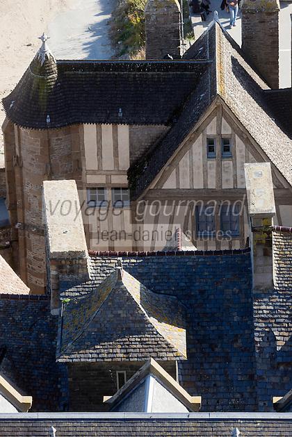 Europe/France/Normandie/Basse-Normandie/50/Manche: Baie du Mont Saint-Michel, classée Patrimoine Mondial de l'UNESCO, Le Mont Saint-Michel:  Depuis l'Abbaye, Maisons sur les remparts  / // Europe/France/Normandie/Basse-Normandie/50/Manche: Bay of Mont Saint Michel, listed as World Heritage by UNESCO,  The Mont Saint-Michel: Since the Abbey, Houses on the walls