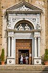 Italy, Lombardia, Salò: cathedral Santa Maria Annunziata, entrance gate | Italien, Lombardei, Gardasee, Salò: der Dom Santa Maria Annunziata, Eingangsportal