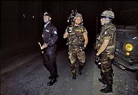 - Kosovo, night patrol of Italian bersaglieri soldiers in the outskirtses of Pec, support to international UN police <br /> <br /> <br /> <br /> - Kossovo, pattuglia notturna dei bersaglieri italiani nei dintorni di Pec, in appoggio alla polizia internazionale ONU