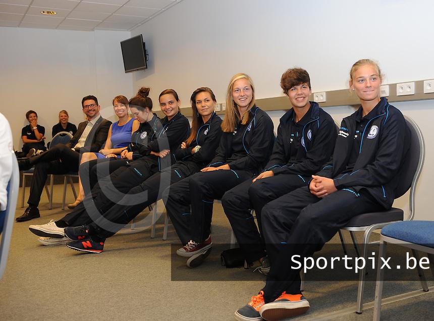 K AA Gent Ladies : team Gent in perszaal met Margaux Van Ackere (rechts)<br /> foto Dirk Vuylsteke / nikonpro.be