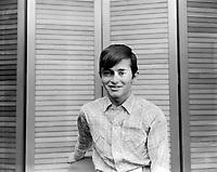 Sujet: Le chanteur Josélito<br /> Date: mai 1966<br /> Photographe: Photo Moderne<br /> (c)  Agence Quebec Presse