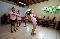 IDEB - Índice de Desenvolvimento da Educação Básica<br /> <br /> Escola Cantinho do Saber.<br /> <br /> No município de Bujarú, a beira do rio Guamá, estudantes do ensino básico tem um dos mais altos índices do IDEB.<br /> Bujarú, Pará, Brasil.<br /> Foto Paulo Santos<br /> 12/09/2014