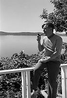 Jean Marchand a sa residence de Cap-Rouge<br /> , le  27 aout 1969<br /> <br /> <br /> Photo : Photo Moderne - Agence Quebec Presse<br /> <br /> Publication :  Le Soleil 27 août 1969, p.1