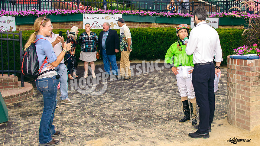 Quick and Rich winning The Arabian Classic Handicap at Delaware Park on 9/2/19