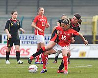 UEFA Women's Under 17 Championship - Second Qualifying round - group 1 : Switzerland - Belgium  : .Meriame Terchoun schermt de bal af voor Sofie Huyghebaert.foto DAVID CATRY / Vrouwenteam.be