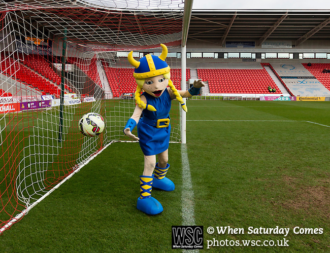 Doncaster Rovers Belles 1 Chelsea Ladies 4, 20/03/2016. Keepmoat Stadium, Womens FA Cup. The Doncaster mascot fails to keep the ball out during the half time penalty shoot out. Photo by Paul Thompson.