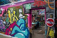 Europe/ France/ Paris/75011: Rue des Trois Couronnes - Europe/ ile de France/ Paris /75011: rue des Trois Bornes - Le Mur des 3 Couronnes est rallié au Collectif des 3 couronnes qui propose un espace d'expression aux artistes muralistes  //  Europe / France / Paris / 75011: Rue des Trois Couronnes - Europe / ile de France / Paris / 75011: rue des Trois Bornes - The Mur des 3 Couronnes is joined to the Collective of 3 Crowns which offers a space of expression to muralist artists