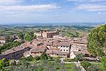 Europe, Italy, Tuscany, San Gimignano and Countryside