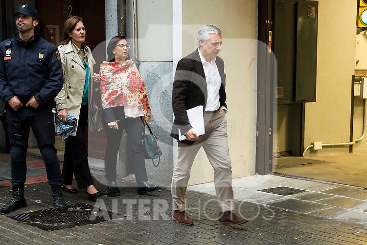 Jose Blanco Lopez attends to the meeting of PSOE's Federal Committee at PSOE's headquarters in Ferraz, Madrid. October 23, 2016. (ALTERPHOTOS/Borja B.Hojas)