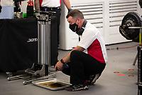 Gibson technician, 24 Hours of Le Mans , Race, Circuit des 24 Heures, Le Mans, Pays da Loire, France